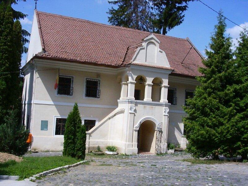 Prima scoala romaneasca – atractia istorica din Scheii Brasovului