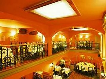Restaurant Sirul Vamii din Centrul Vechi a Brasovului